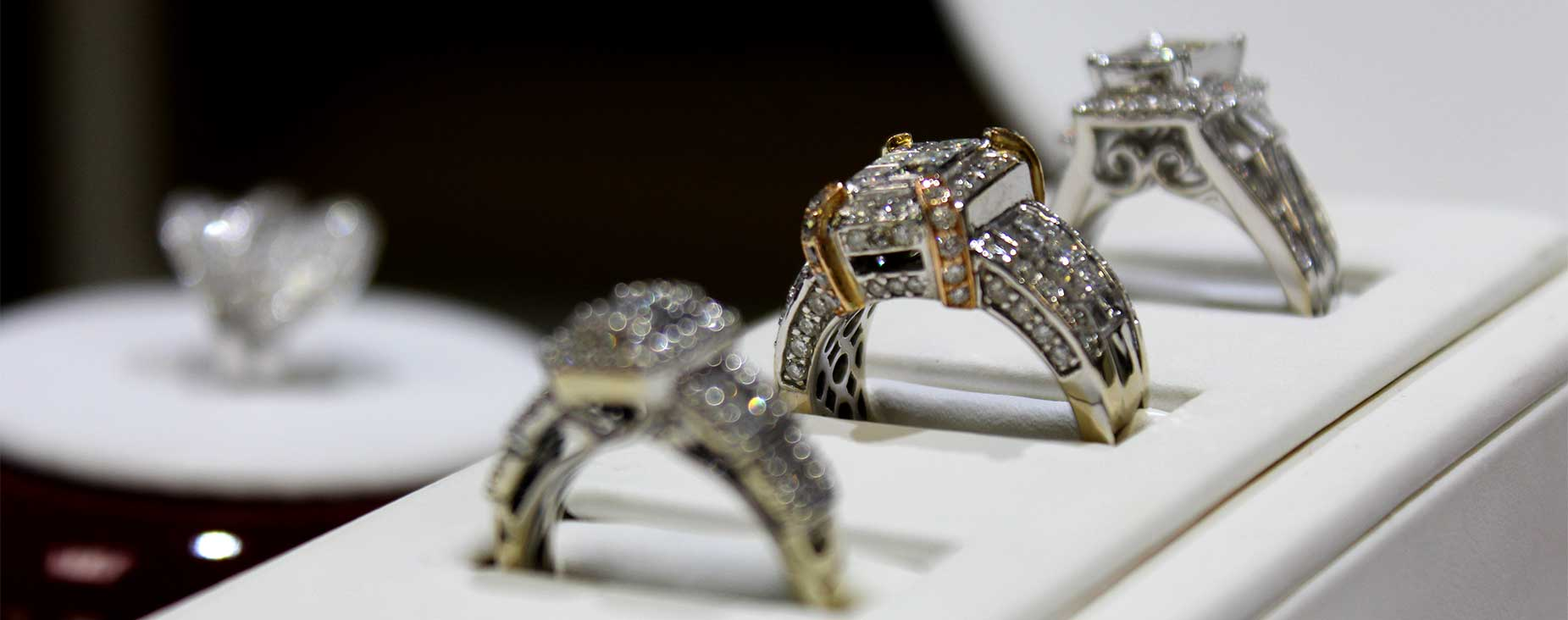 View The Gorgeous Unique Engagement Rings in Orlando at Our Store